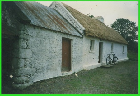 John's cottage and his auld Raleigh bike